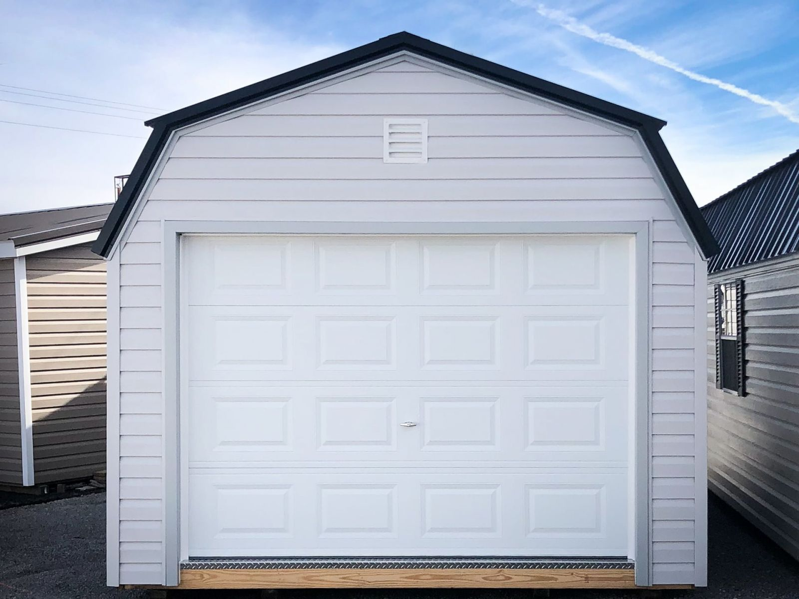 A garage shed for sale near Russellville, KY