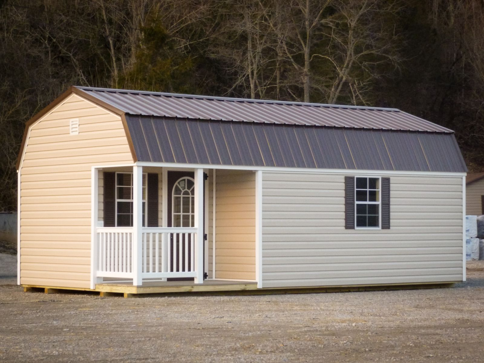 A prefab cabin for sale in Glasgow, KY