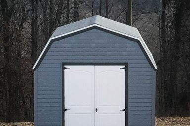 A shed in Kentucky with vinyl siding