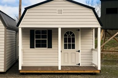 A small cabin for sale in Tennessee with vinyl siding