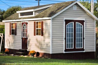 A portable cabin in Kentucky with vinyl siding
