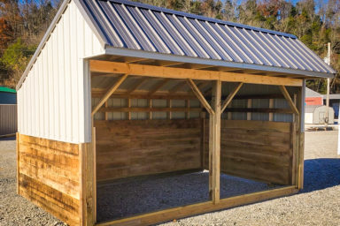 A metal animal shelter for sale in Kentucky for horses