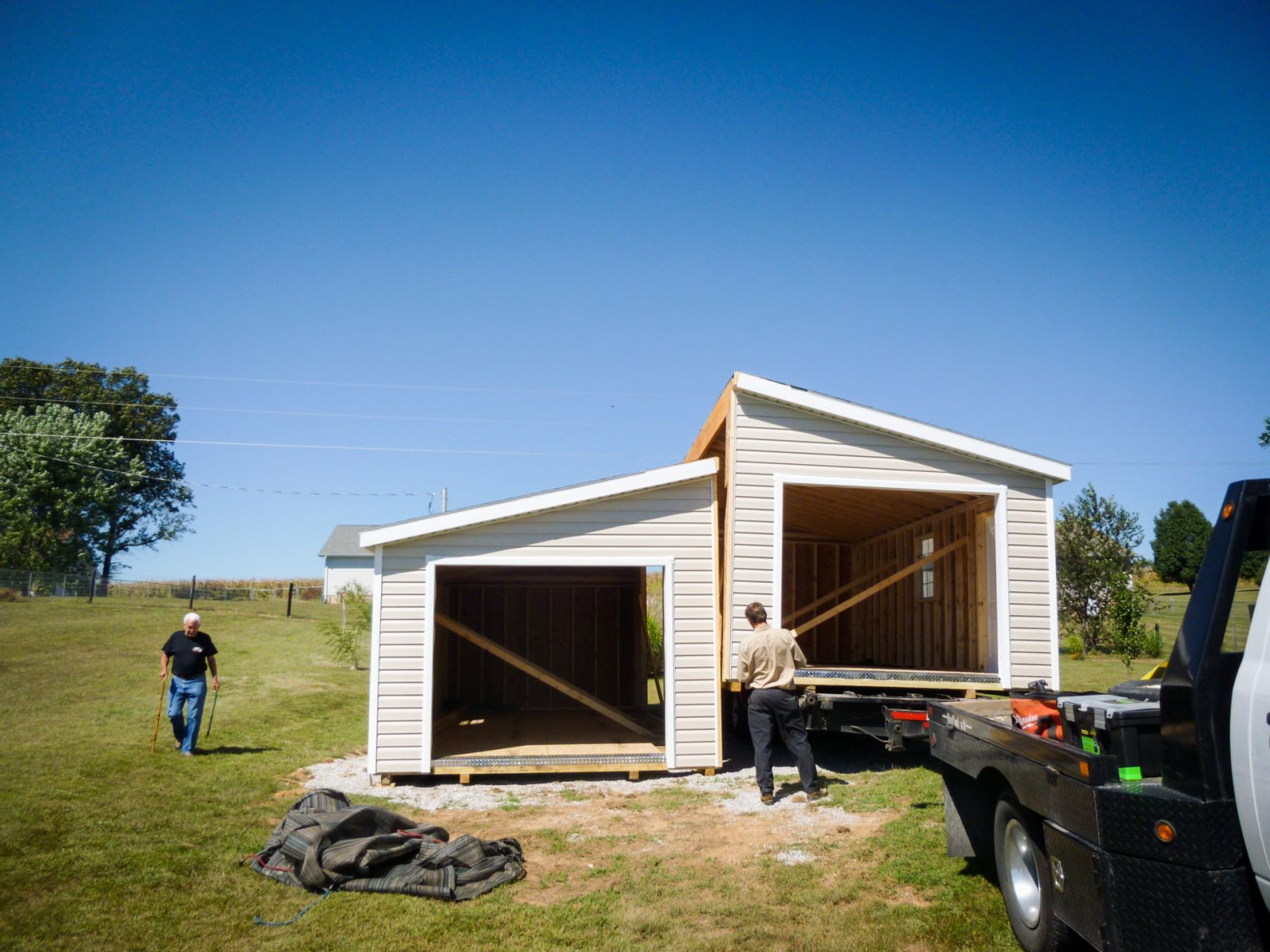 Delivery of a doublewide prebuilt garage in Kentucky