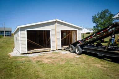 Delivery of a multiple-car modular garage in Kentucky
